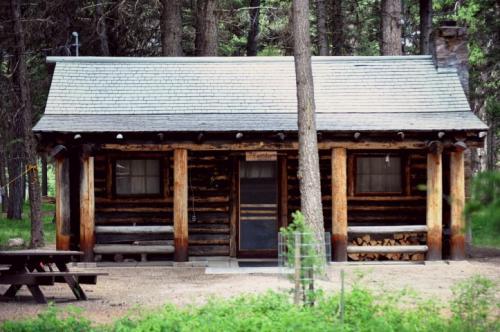 Caretaker's Cabin (Small)